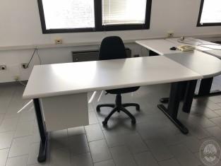 Fig 1 - Fig 3 - Arredamento vario da ufficio