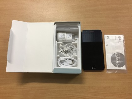 Fig 1 - Fig 3 - (Lotto n.5) Smartphone marca L...