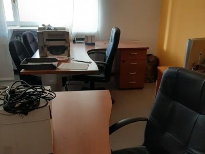 Fig 1 - Fig 1 - Arredo ufficio e hardware