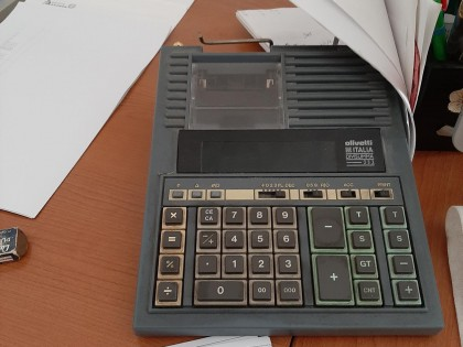 Fig 1 - Fig 3 - Arredo ufficio e hardware