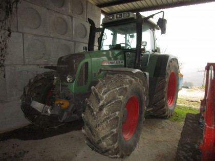 Fig 1 - Fig 1 - TRATTORE FENDT 820