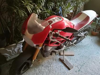 Fig 1 - Fig 1 - - UN MOTOCICLO DUCATI MOTOR HO...