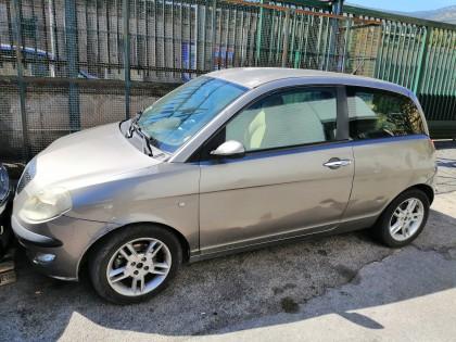 Fig 1 - Fig 1 - Auto Lancia Y targata CT538BW...
