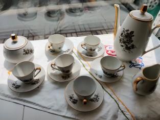 Fig 1 - Fig 1 - Servizio da caffè in porcellan...