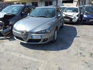 Fig 1 - Fig 3 - LOTTO 2 - Alfa Romeo 147 targa...