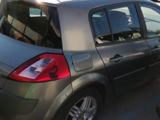 Fig 1 - Fig 3 - LOTTO 8 - Renault Megane targa...
