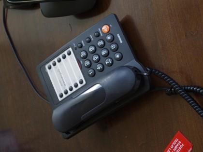 Fig 1 - Fig 2 - - TELEFONO FISSO- CALCOLATRIC...