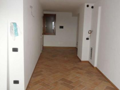 lotto 4 - foto appartamento sub 704_page24_image5.jpg