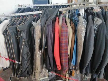 Fig 1 - Fig 1 - 116 abiti uomo , 4 giacche, 2...