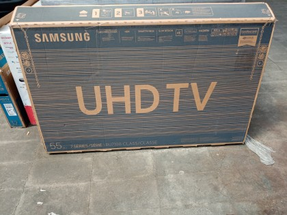 Fig 1 - Fig 1 - UN TELEVISORE SAMSUNG SMART TV...