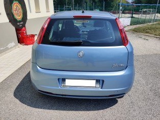 Fig 1 - Fig 1 - Autovettura Fiat Punto