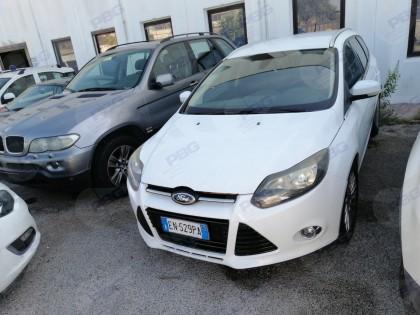 Fig 1 - Fig 1 - Autovettura Ford Focus targa E...