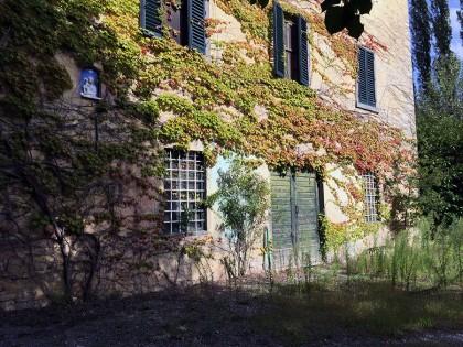 Fig 1 - Fig 2 - villa padronale (in precario s...