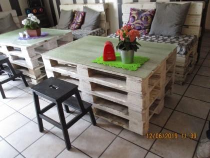 Fig 1 - Fig 1 - tre tavoli legno bianchi, cinq...