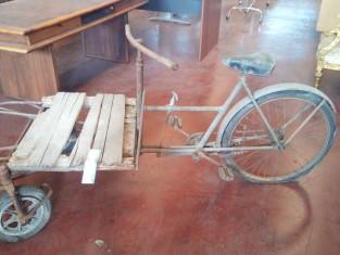Fig 1 - Fig 1 - triciclo d'epoca da restaurare