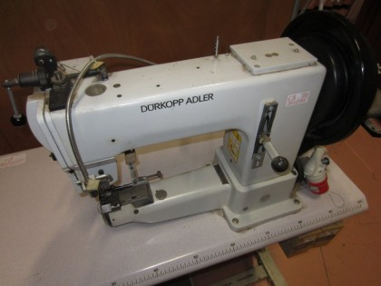 Fig 1 - Fig 1 - 76/20- 01 macchina da cucire D...