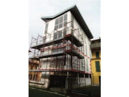 Fig 1 - Fig 2 - Appartamento al primo piano di...