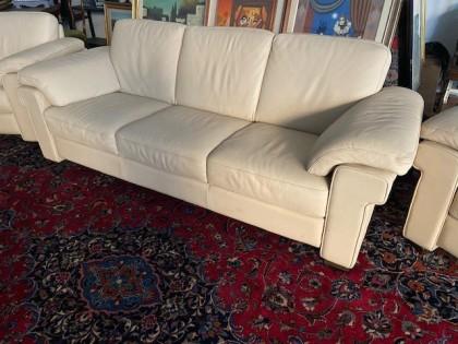 Fig 1 - Fig 1 - salotto composto da divano e n...