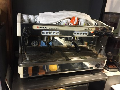Fig 1 - Fig 1 - Macchina da caffè a due gruppi...