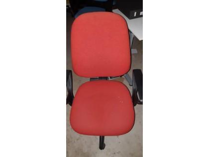 Fig 1 - Fig 1 - 19 sedie, 5 tavoli, 1 tavolo,...