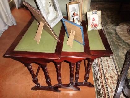 Fig 1 - Fig 1 - trittico di tavolini con piano...