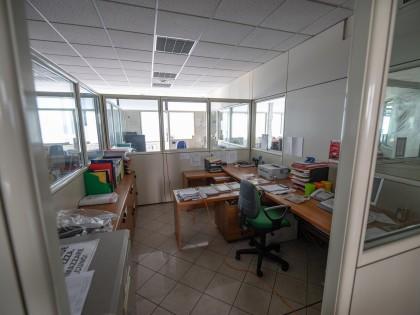 Fig 1 - Fig 1 - Arredi e attrezzature ufficio,...