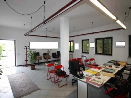 Fig 1 - Fig 1 - Ufficio composto da vano, arch...