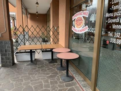 Fig 1 - Fig 2 - Locale adibito a Pizzeria di 1...