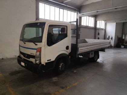 Fig 1 - Fig 1 - lotto 1 Autocarro Nissan Cabst...