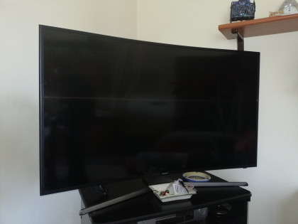 Fig 1 - Fig 1 - tv color Samsung 49 p curvato