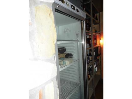 Fig 1 - Fig 1 - frigorifero ad armadio con ant...
