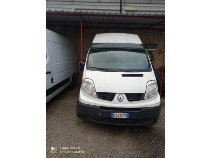 Fig 1 - Fig 1 - furgone Renault traffic targat...