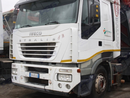 Fig 1 - Fig 1 - Trattore Stradale Iveco AS440S...