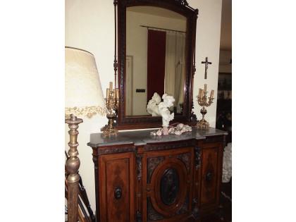 Fig 1 - Fig 1 - mobile ingresso n legno con un...