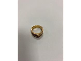 Fig 1 - Fig 1 - Anello in oro con rubino centr...
