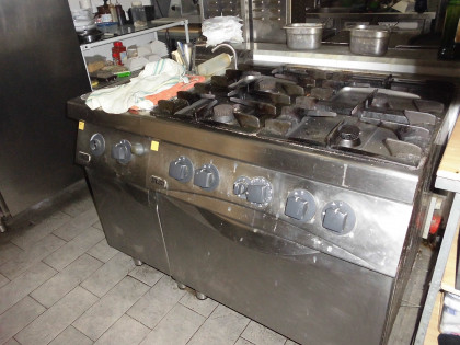 Fig 1 - Fig 1 - cucina professionale a quattro...