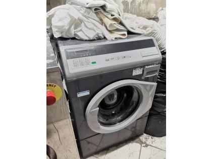 Fig 1 - Fig 3 - lavatrici professionali da lav...
