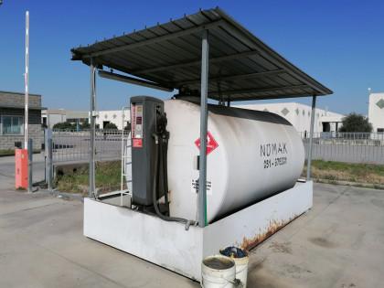 Fig 1 - Fig 1 - (Lotto n.6) - Cisterna per gas...