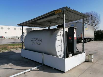 Fig 1 - Fig 2 - (Lotto n.6) - Cisterna per gas...