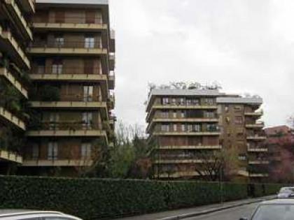 Fig 1 - Fig 2 - Appartamento di 184 mq con n.3...