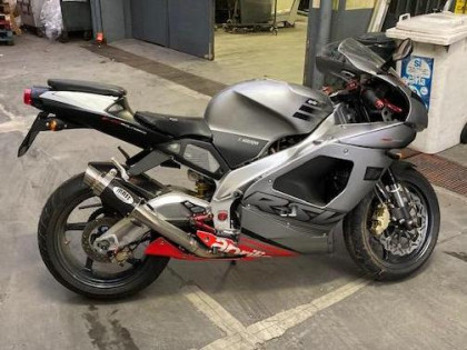 Fig 1 - Fig 1 - Lotto 2: Motociclo Aprilia RSV...