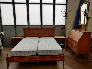 Fig 1 - Fig 3 - Camera da letto composta da ar...