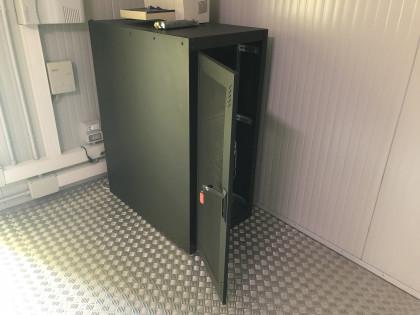 Fig 1 - Fig 1 - mobiletto porta server in meta...