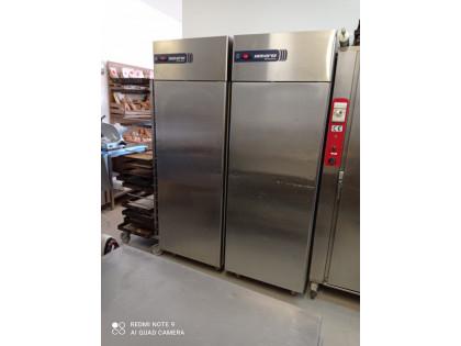 Fig 1 - Fig 1 - n. 2 frigoriferi in acciaio co...