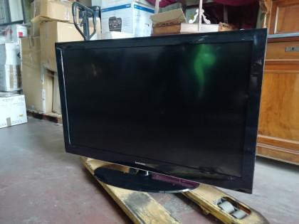 Fig 1 - Fig 1 - tv color samsung con telecoman...