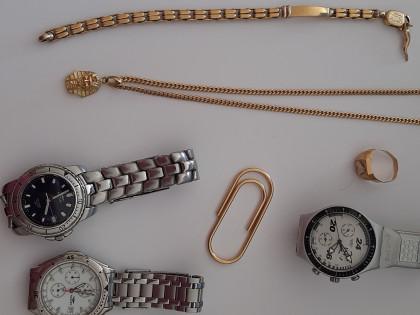 Fig 1 - Fig 1 - Orologi e oggetti in oro