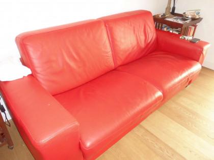 Fig 1 - Fig 1 - divano in pelle colore rosso 2...