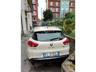 Fig 1 - Fig 3 - Autocarro RENAULT CLIO targato...