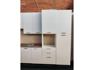 Fig 1 - Fig 3 - Cucina in laminato in legno di...