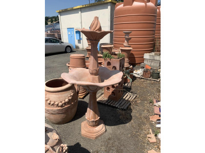Fig 1 - Fig 1 - lotto 3 Fontana in terracotta...